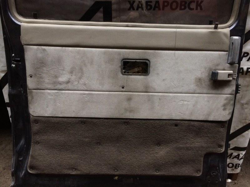 Дверная карта Nissan Caravan ARME24 задняя левая (б/у)
