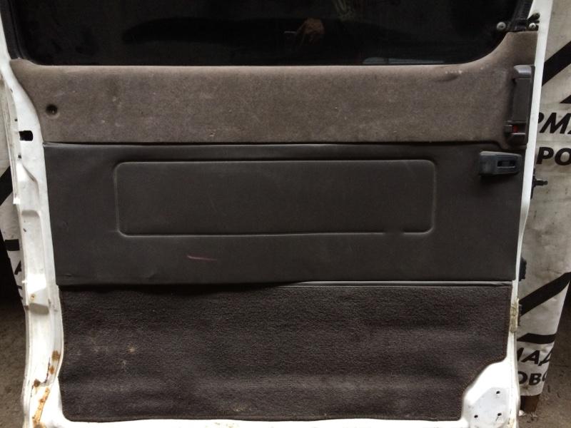 Дверная карта Toyota Hiace KZH106 задняя левая (б/у)