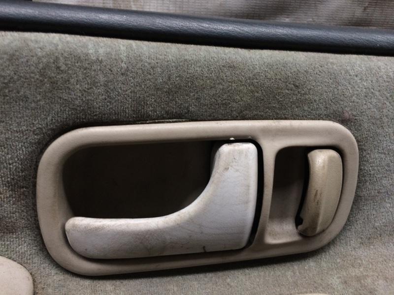 Ручка двери внутренняя Nissan Largo NW30 передняя правая (б/у)