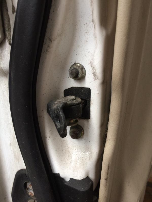 Ограничитель двери Toyota Crown JZS171 передний правый (б/у)