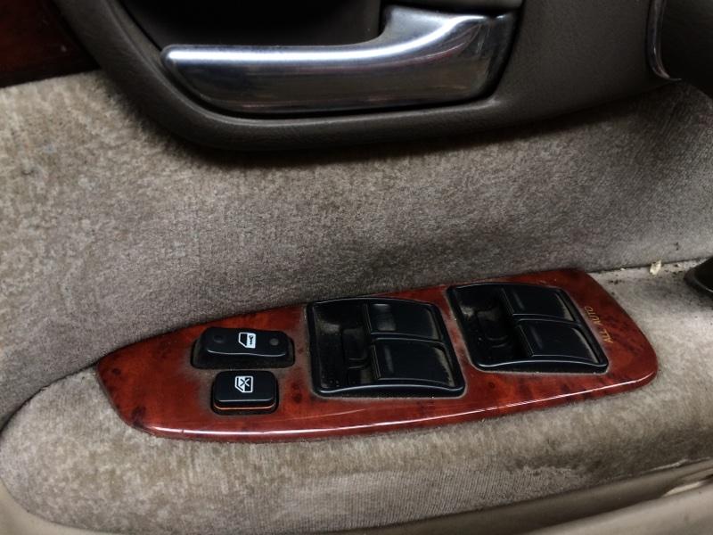 Пульт стеклоподъемника Toyota Crown JZS171 передний правый (б/у)