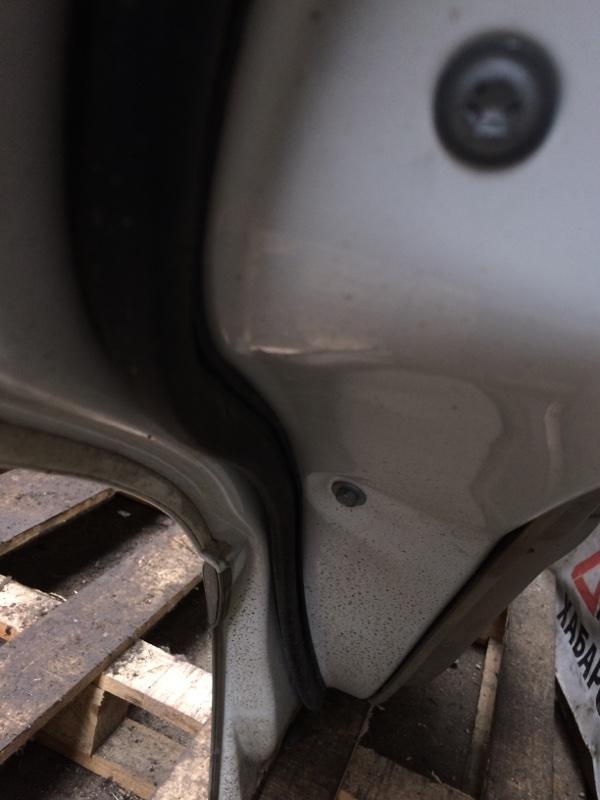 Уплотнительная резинка дверей Toyota Crown JZS171 задняя левая (б/у)
