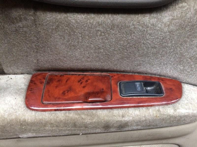 Пульт стеклоподъемника Toyota Crown JZS171 задний левый (б/у)