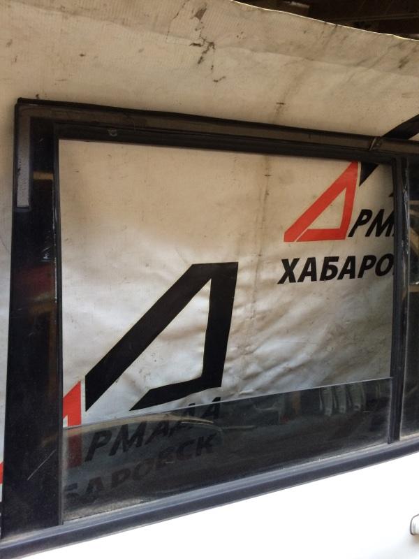 Стекло двери Mitsubishi Pajero V75W заднее левое (б/у)