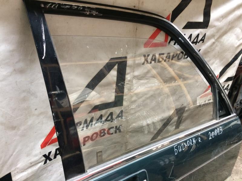 Стекло двери Isuzu Bighorn UBS69 переднее правое (б/у)