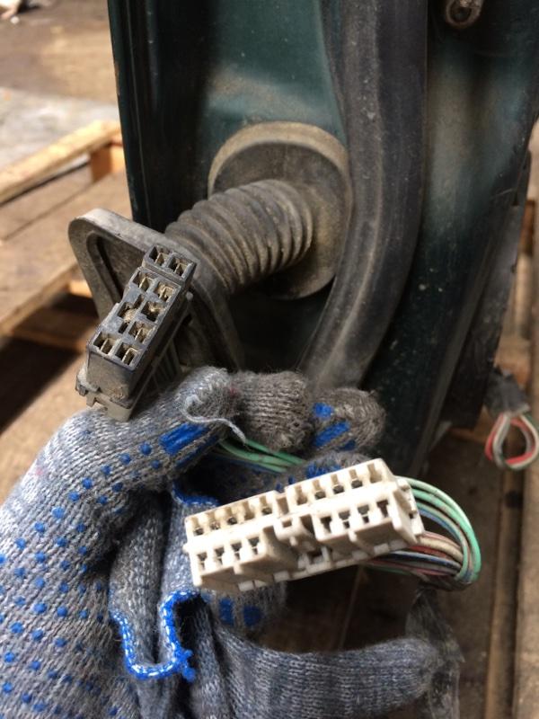 Проводка двери Isuzu Bighorn UBS69 передняя правая (б/у)