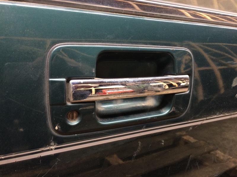 Ручка двери внешняя Isuzu Bighorn UBS69 передняя правая (б/у)