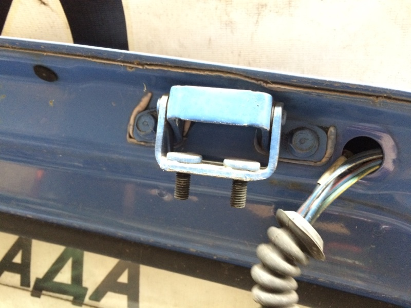 Петли на дверь Mazda Bongo SS28 задние (б/у)