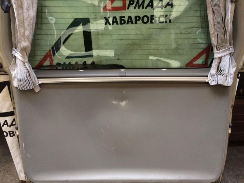 Дверная карта Toyota Granvia KCH16 задняя (б/у)