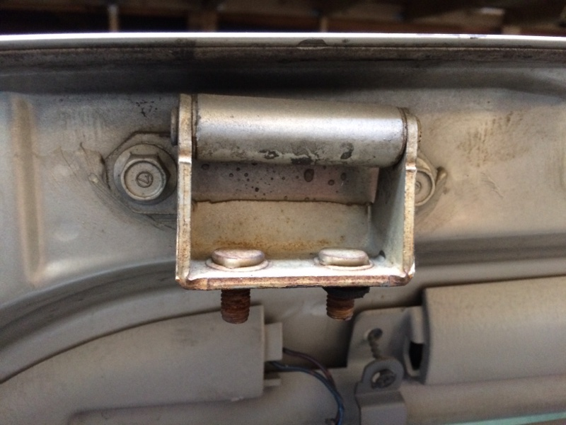 Петли на дверь Toyota Granvia KCH16 задние (б/у)