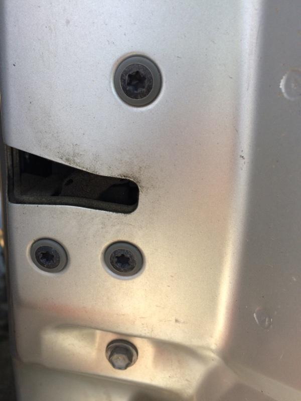Замок двери Toyota Alphard ANH10 задний правый (б/у)