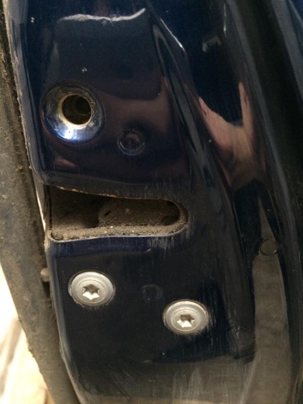 Замок двери Toyota Ipsum ACM21 задний правый (б/у)
