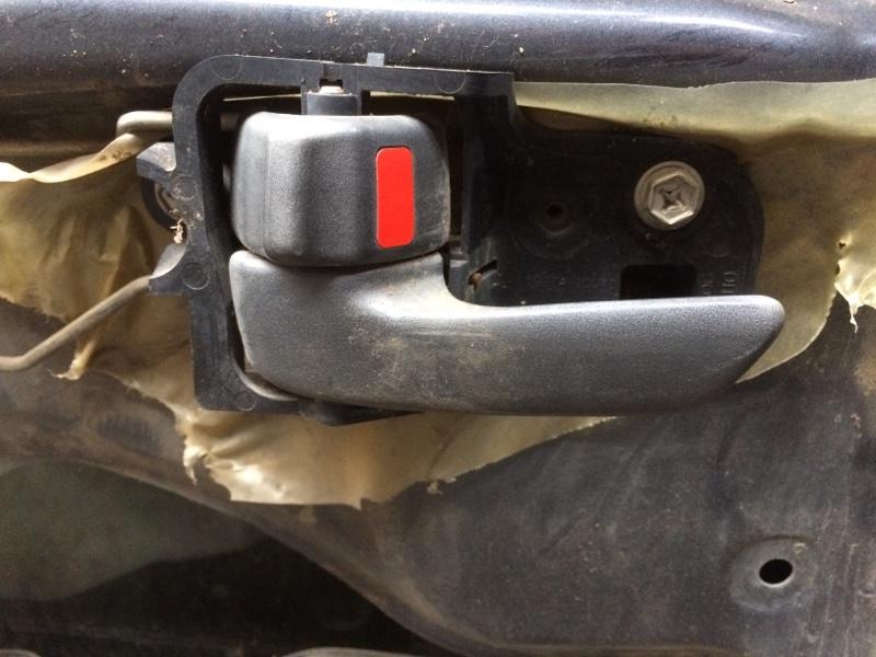 Ручка двери внутренняя Toyota Corolla AE100 задняя левая (б/у)