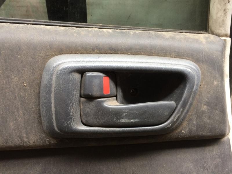 Ручка двери внутренняя Toyota Caldina ET196 задняя левая (б/у)