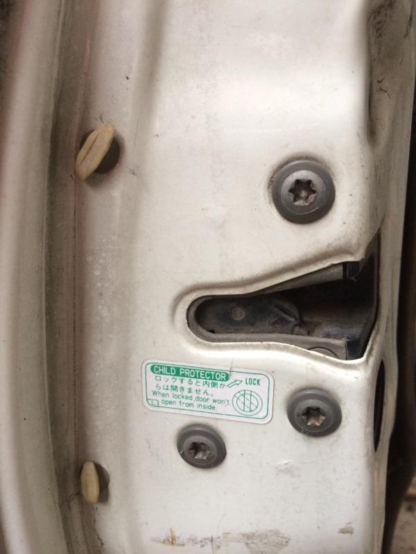 Замок двери Toyota Caldina ET196 задний левый (б/у)