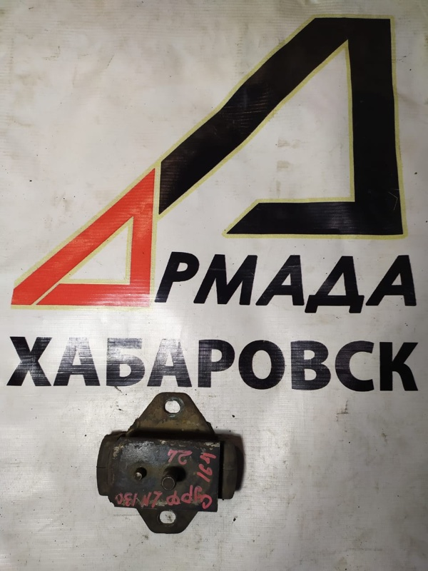 Подушка двигателя Toyota Hilux Surf LN130 2L правая (б/у)