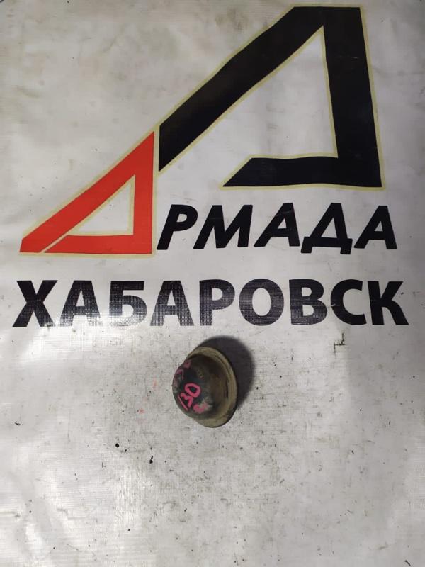 Отбойник рычага Toyota Hilux Surf KZN130 1KZ передний (б/у)