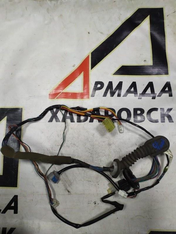 Проводка двери Suzuki Escudo GFTA02 передняя правая (б/у)