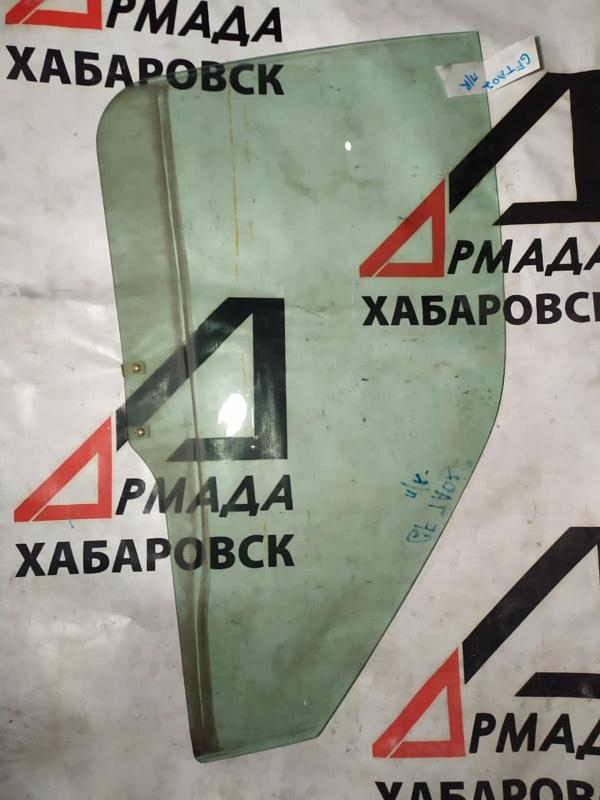 Стекло двери Suzuki Escudo GFTA02 переднее правое (б/у)
