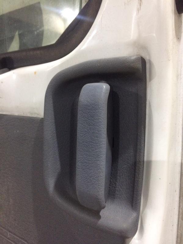 Ручка двери внутренняя Mazda Bongo SS28 задняя левая (б/у)