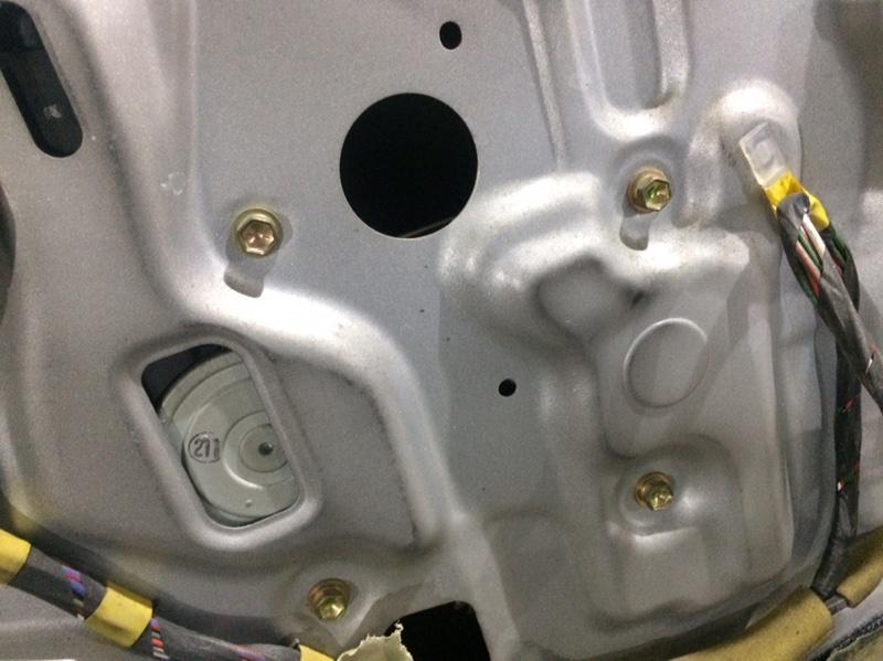 Стеклоподъемник Toyota Granvia KCH16 передний правый (б/у)