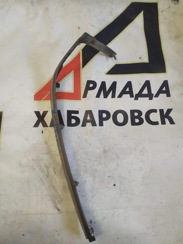 Планка под фары Nissan Caravan ARME24 правая (б/у)