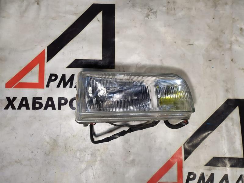 Фара Nissan Caravan ARE24 правая (б/у)