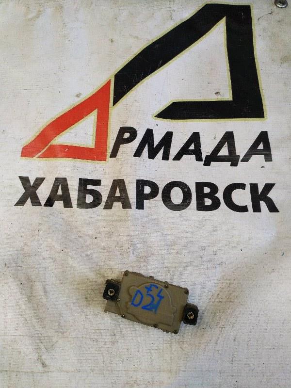 Активатор замка двери Nissan Datsun BMD21 передний левый (б/у)