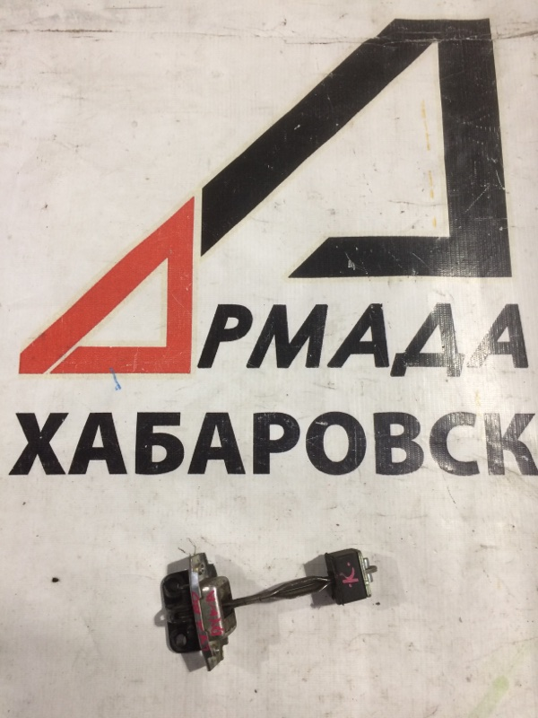 Ограничитель двери Toyota Dyna LY230 передний правый (б/у)