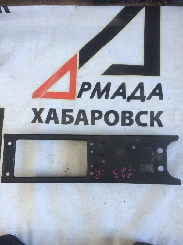 Жесткость бампера Nissan Atlas P8F23 передний правый (б/у)