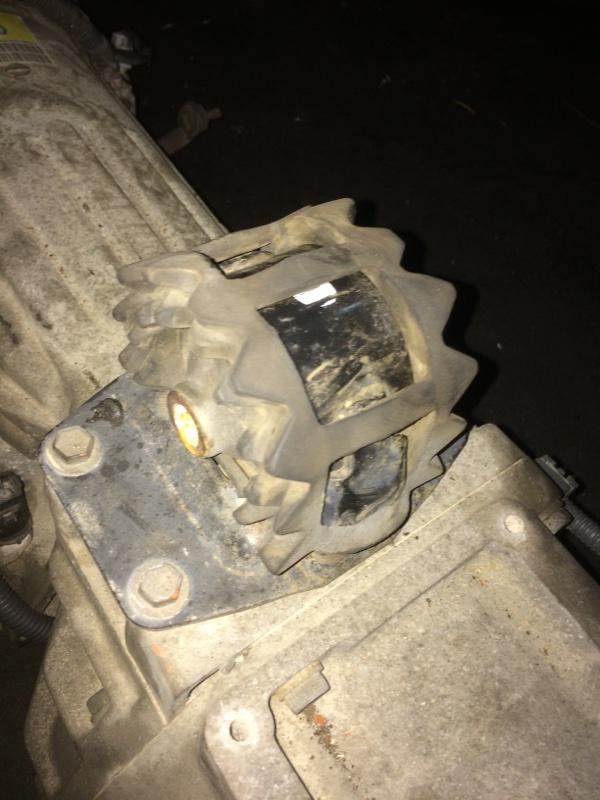 Подушка акпп Toyota Hiace KZH106 1KZ (б/у)