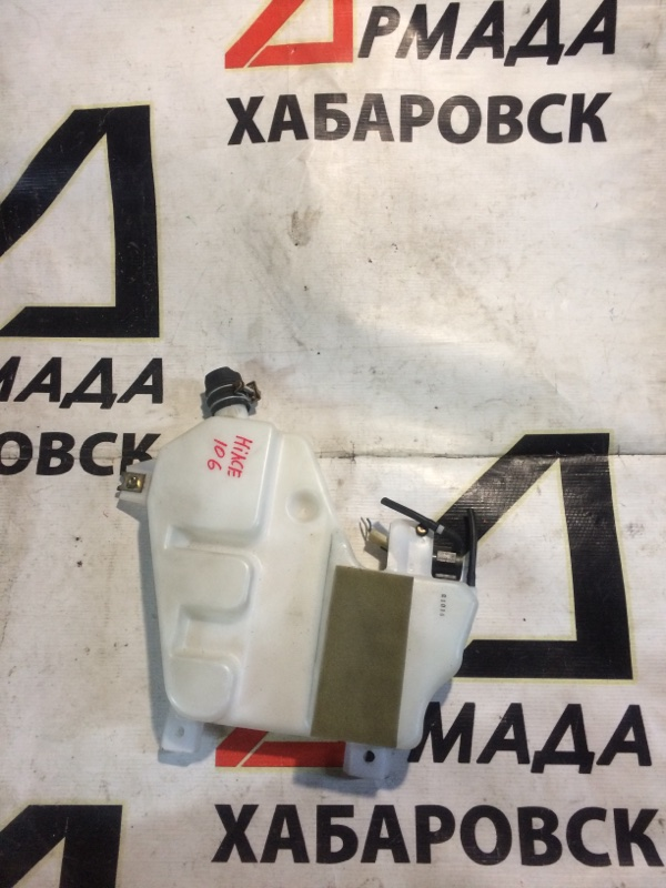 Бачок омывателя заднего стекла Toyota Hiace KZH106 1KZ задний (б/у)