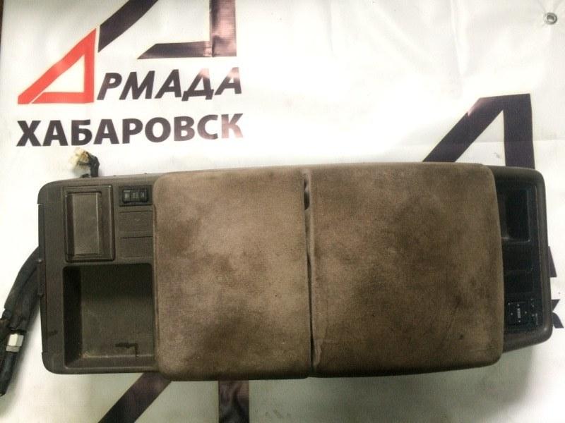 Бардачок между сиденьями Toyota Hiace KZH106 1KZ (б/у)