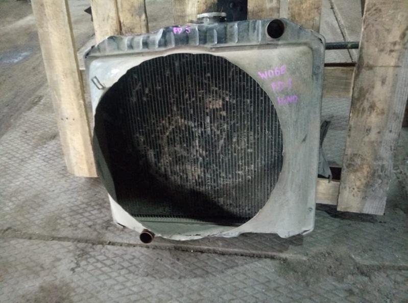 Диффузор радиатора Hino Ranger FD2 W06E (б/у)
