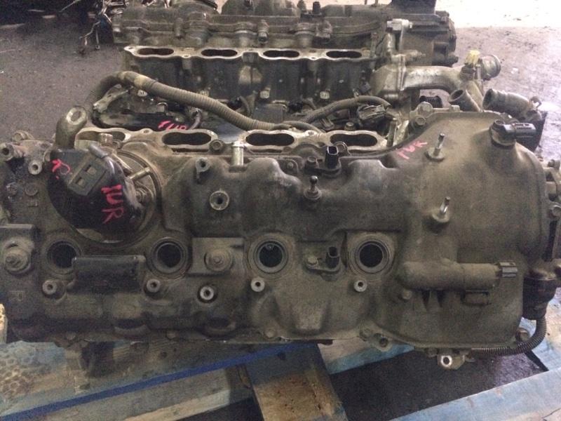 Клапанная крышка Toyota Crown Majesta URS206 1UR правая (б/у)