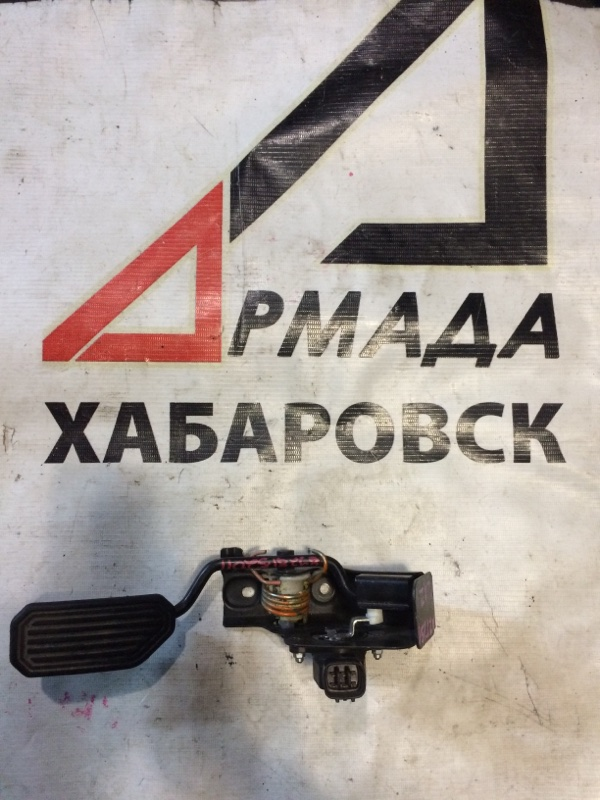 Педаль газа Toyota Avensis AZT251 1AZ (б/у)