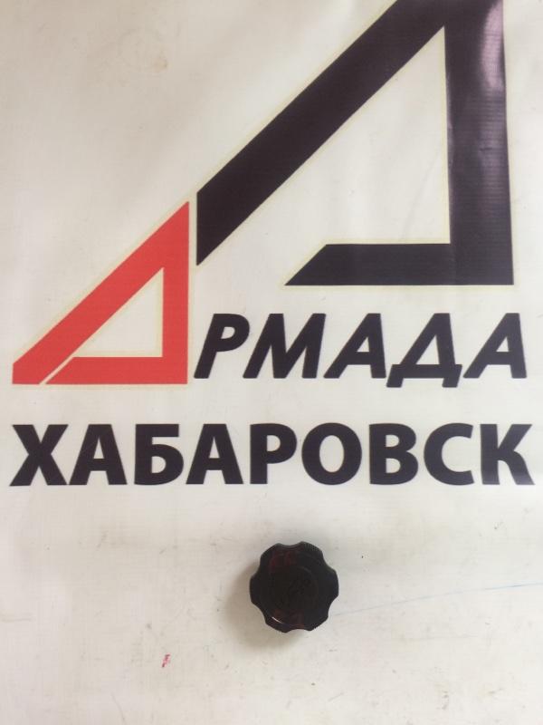 Крышка маслозаливной горловины Nissan Vanette SKF2V RF (б/у)
