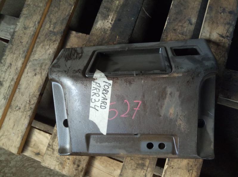 Пластик торпеды Isuzu Forward FRR34 (б/у)