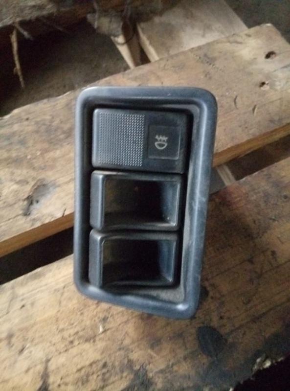 Кнопка туманки Nissan Vanette SS88 (б/у)