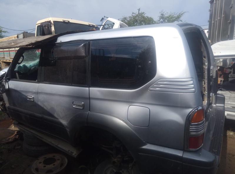Уплотнительная резинка дверей Toyota Land Cruiser Prado RZJ95W задняя левая (б/у)