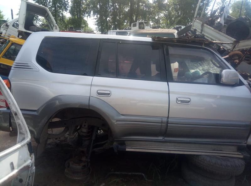 Стекло двери Toyota Land Cruiser Prado RZJ95W заднее правое (б/у)