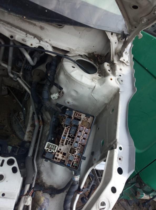 Блок предохранителей Toyota Ipsum ACM21 (б/у)