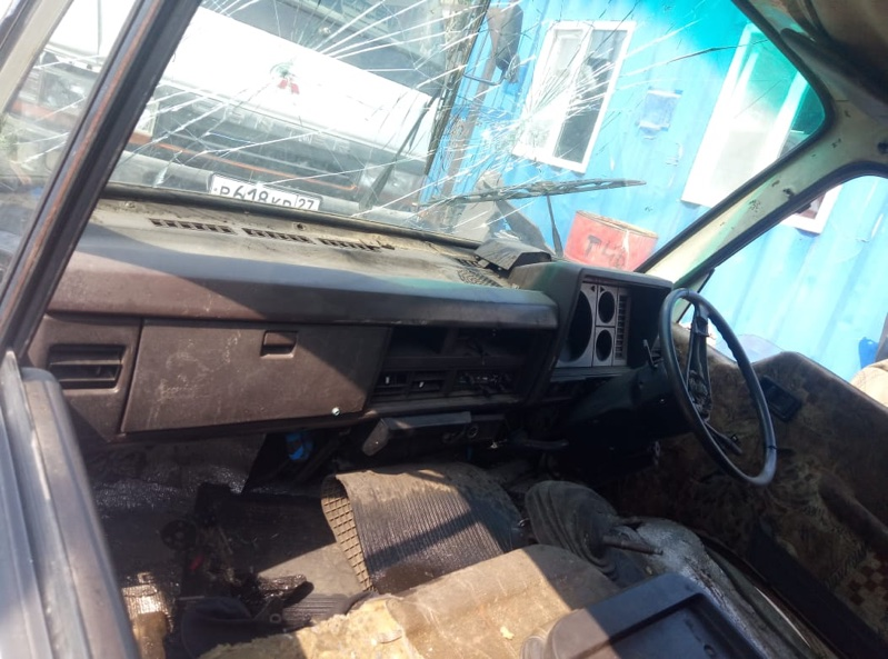 Кожух рулевой колонки Nissan Atlas TF22 (б/у)