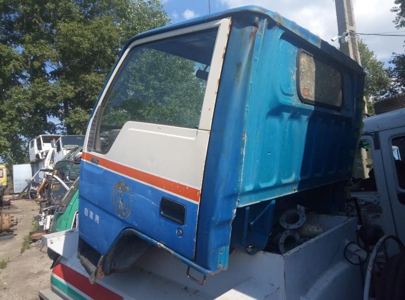 Стекло двери Mitsubishi Canter FE305 переднее левое (б/у)