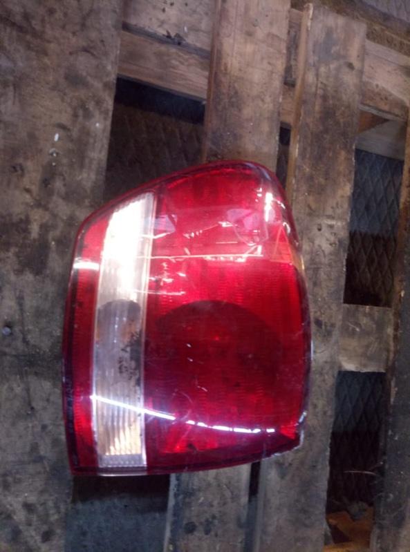 Стоп-сигнал Toyota Ipsum ACM21 левый (б/у)