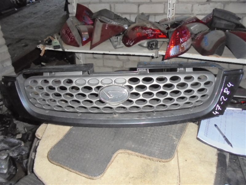 Решетка радиатора Daihatsu Terios Kid J111G (б/у)