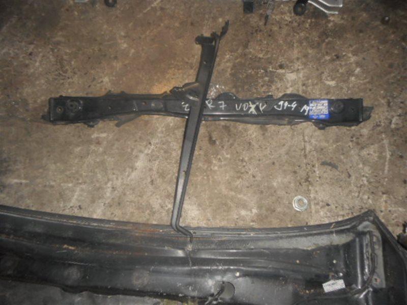 Планка телевизора Toyota Noah ZRR70 передняя верхняя (б/у)