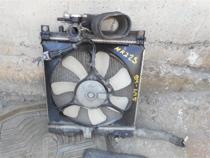 Радиатор охлаждения Suzuki Spacia MK22S K6A (б/у)