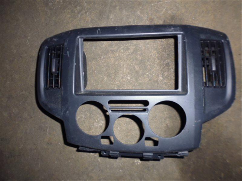 Консоль магнитофона Nissan Nv200 VM20 (б/у)
