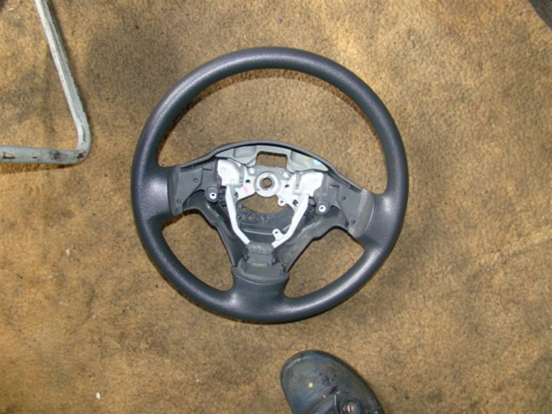 Руль Toyota Auris NZE151 (б/у)